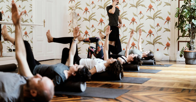 Esercizio di Pilates per l'equilibrio del corpo